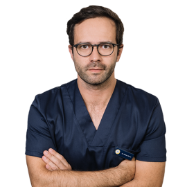 Dr. Adriano Sousa